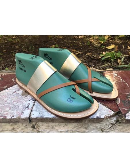 Sandali artigianali da donna in pelle cuoio fatti a mano made in Italy