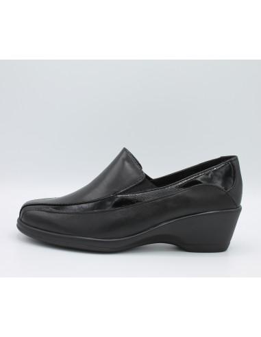 Cinzia soft scarpe donna con zeppa comoda in gomma in pelle e vernice nero  IV6820 55b74cb6ba8