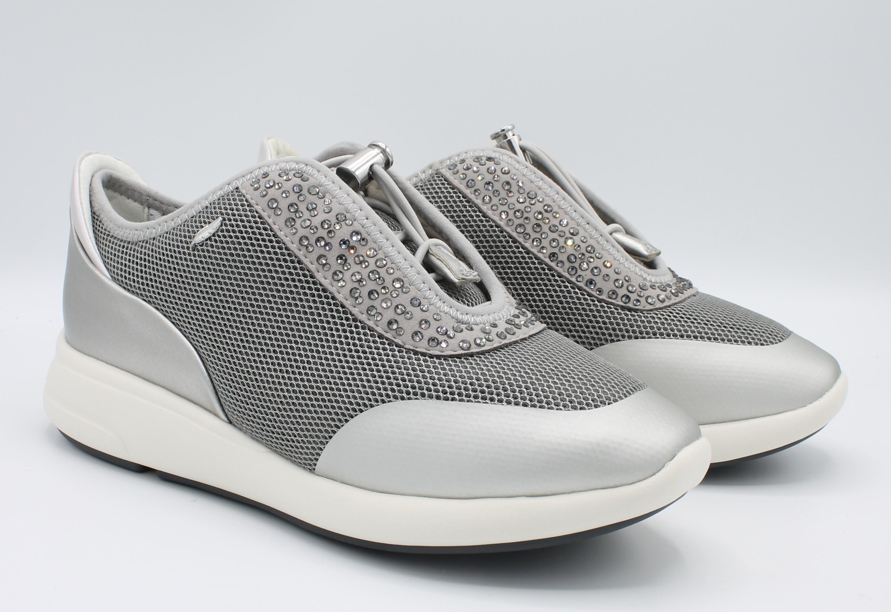 Geox scarpe da donna sneakers con lacci elastici Ophira