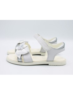 Geox Karly sandali da bambina eleganti in pelle bianco J9235H